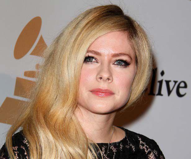 Avril Lavigne jetzt verliebt in einen Milliardär?