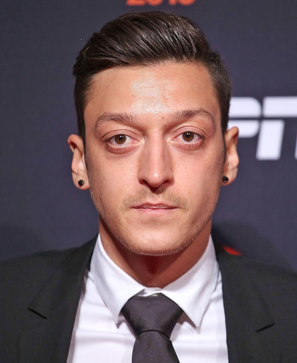 Mesut Özil und Toni Kroos sind die Insta-Topstars Deutschlands