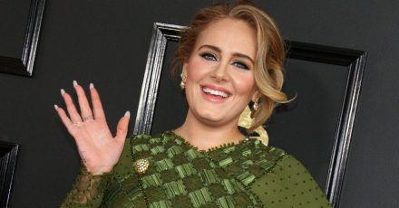 Adele megaschlank und sexy am Strand