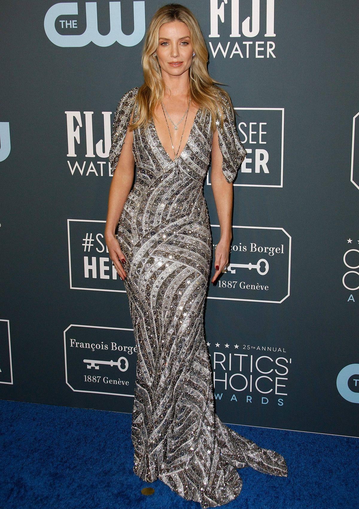 Best Dresses of the Day (842): Jennifer Lopez & Annabelle Wallis