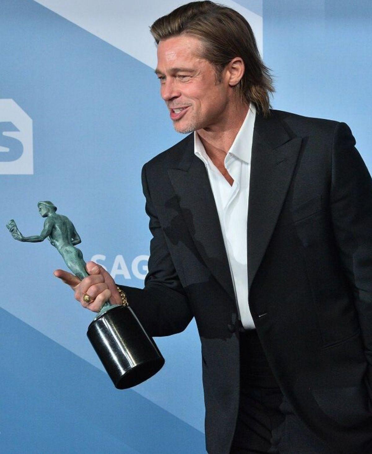 Brad Pitt geht jetzt doch nicht bei Tinder auf Frauenjagd?