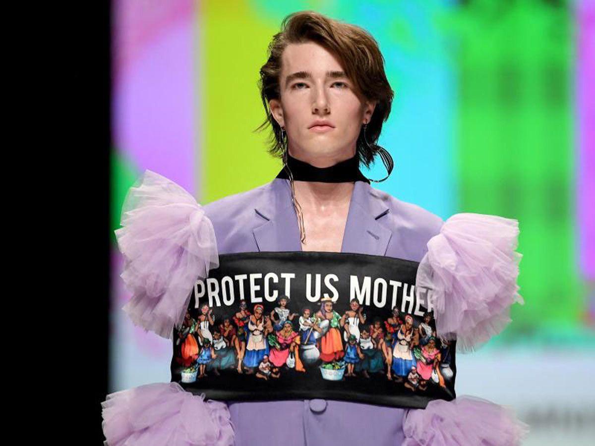 Berlin Fashion Week startet mit exzessiven Designs