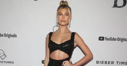 Best Dress of the Day (851): Hailey Bieber ganz in Schwarz