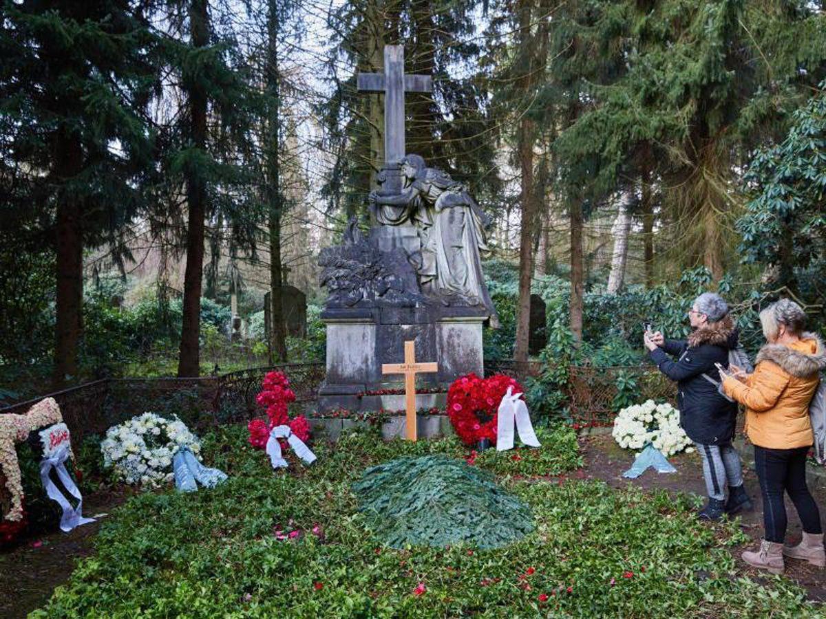 Jan Fedder auf Ohlsdorfer Friedhof beigesetzt