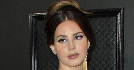 Lana Del Rey: Ihr Grammy-Kleid war ein Kaufhaus-Schnäppchen