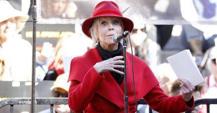 Jane Fonda und Joaquin Phoenix gehen auf die Straße