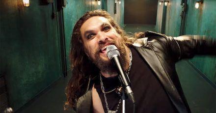 Video: Hier sehen wir Jason Momoa als Ozzy Osbourne