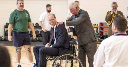 Die Fab Four auf Tour: Spaß im Rollstuhl!