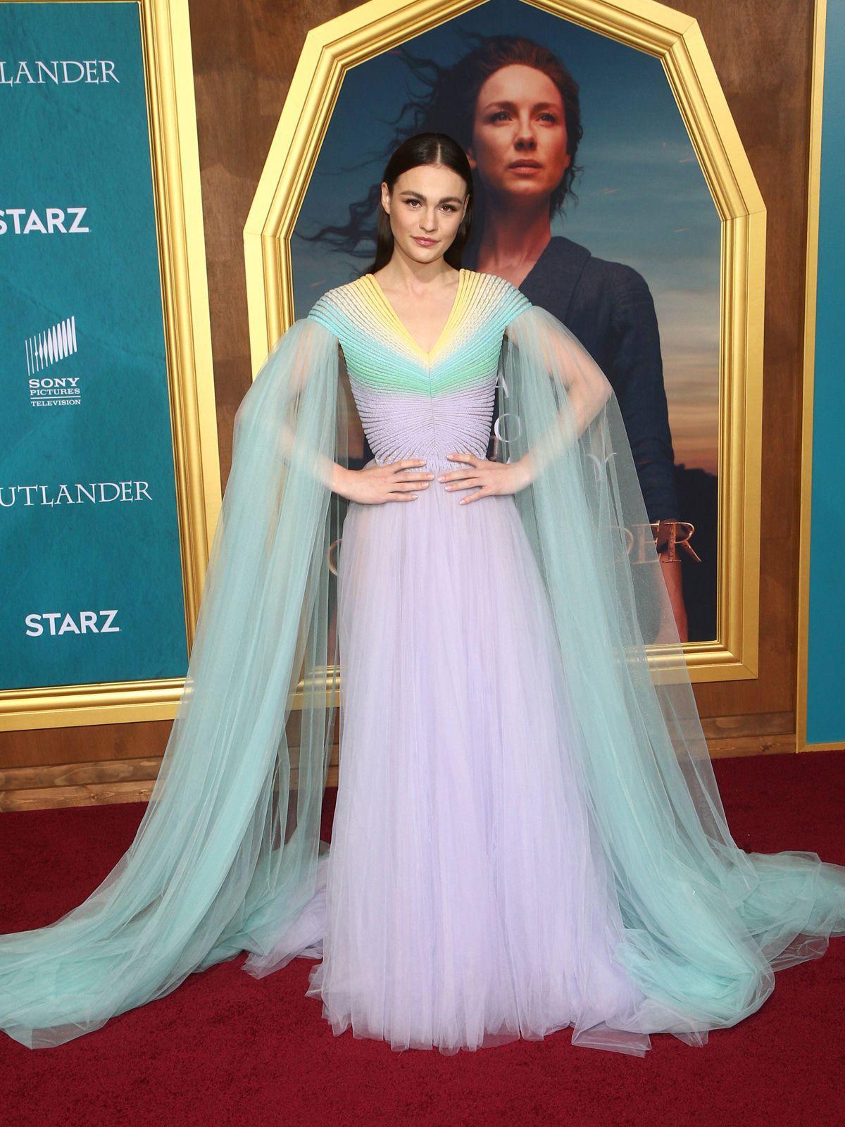 Best Dress von vorne und von hinten (40): Sophie Skelton