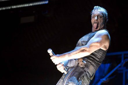 Till Lindemann soll aufhören, Fischkadaver ins Publikum zu werfen