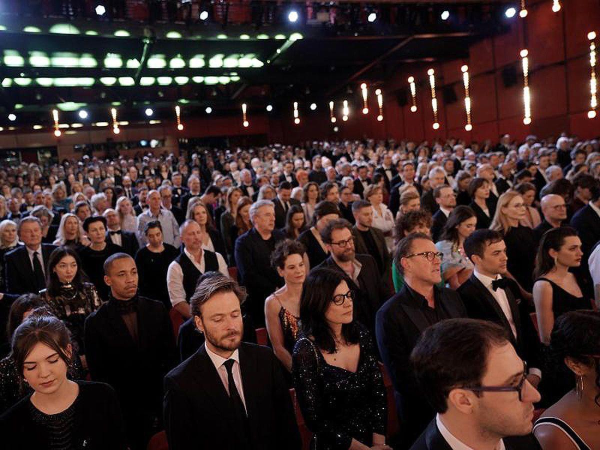 70. Berlinale eröffnet: Gedenken für Opfer von Hanau