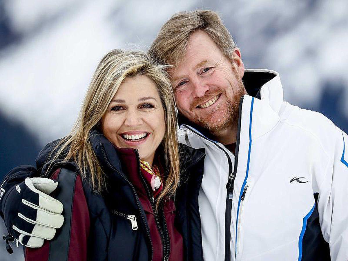 König Willem-Alexander mit Mutti, Frau, Kindern und Bart im Schnee