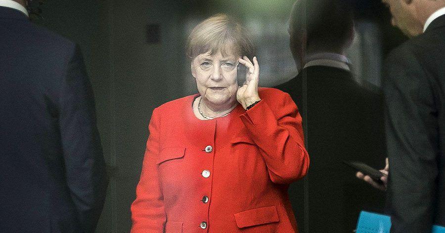 Angela Merkel wählt 112 – und die Feuerwehr legt einfach auf!