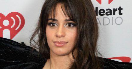 Camila Cabello feiert ihren 23. Geburtstag wie eine 7-jährige
