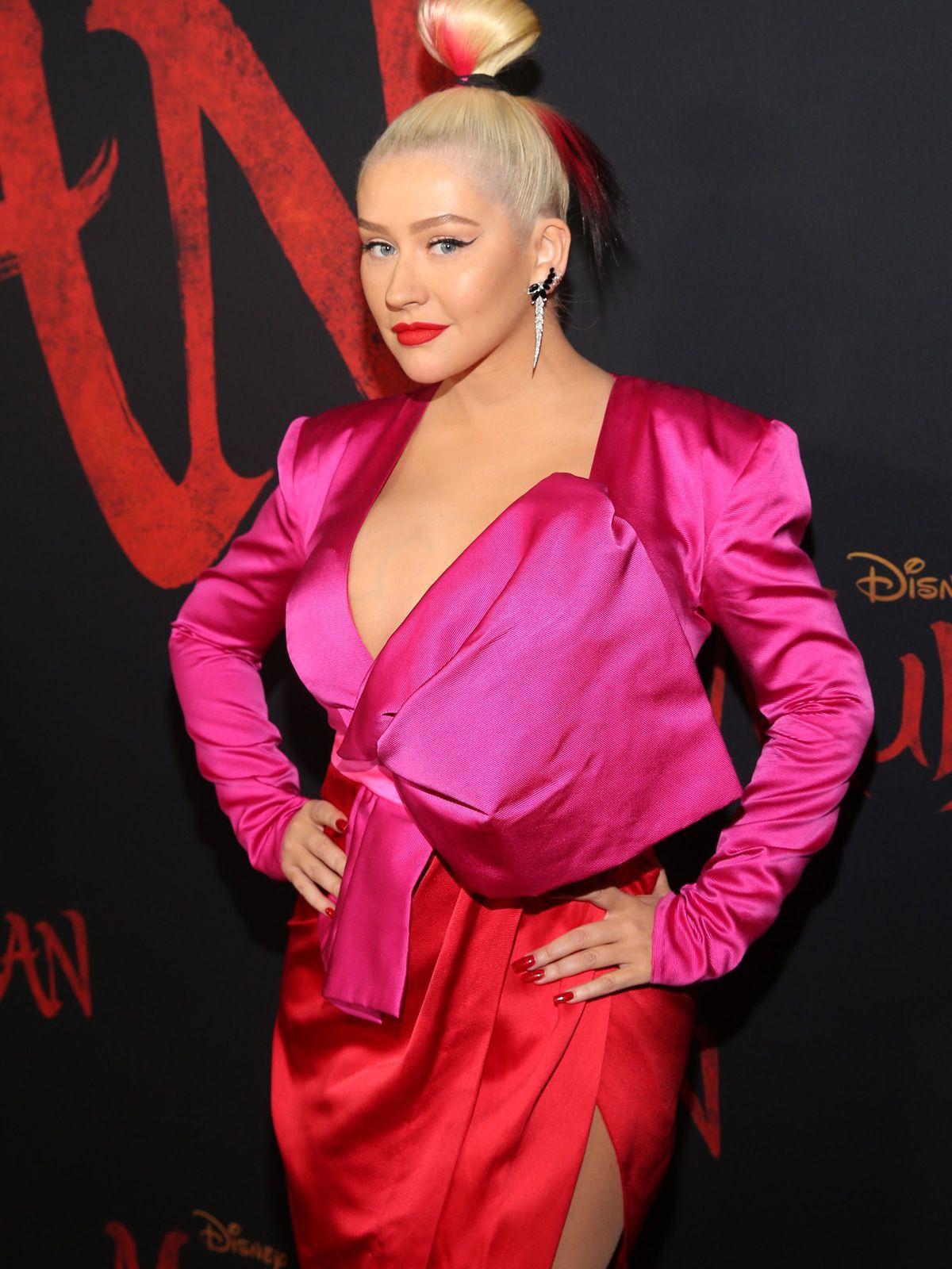 Worst Dress of the Day (869): Christina Aguilera als buntes Riesenbonbon