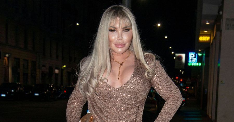 Transgender-Star Rodrigo Alves will jetzt Klamotten spenden