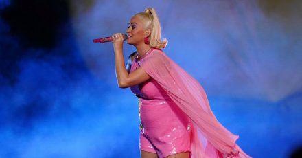 Katy Perry: Hier performt sie erstmals mit Babybauch