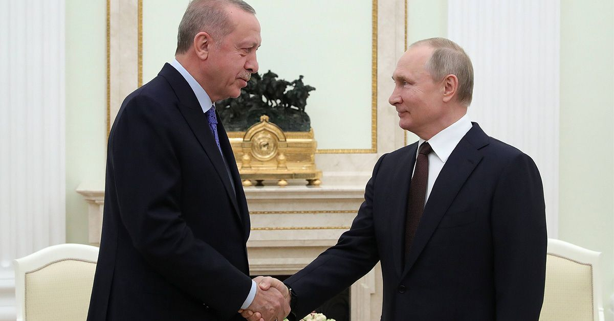 Putin demütigt Erdogan: Dieses Machtspielchen muss man gesehen haben!