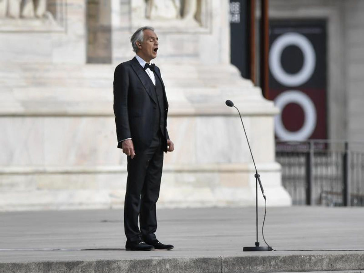 Video: Andrea Bocelli singt ganz einsam im Mailänder Dom