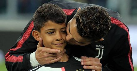 Cristiano Ronaldo: Familienfoto - aber wo ist sein ältester Sohn?