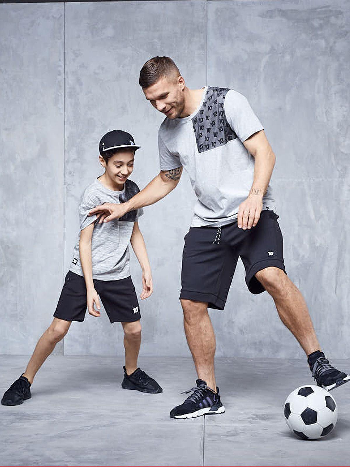 Lukas Podolski mit neuer Kollektion für große und kleine Kicker