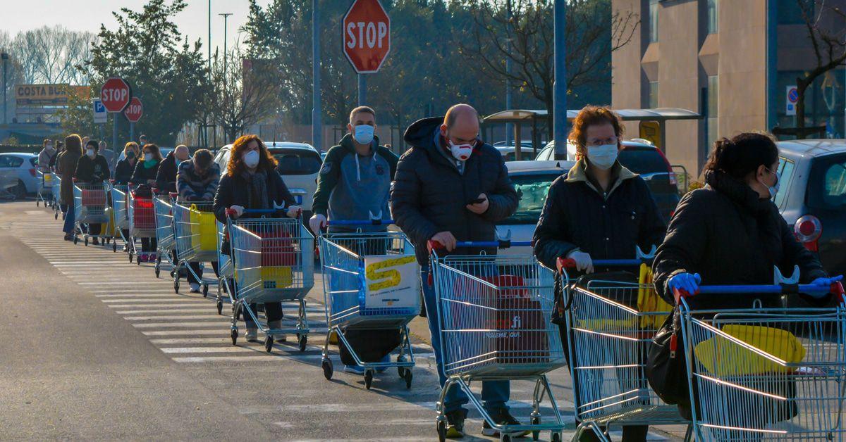Einkaufen ist das neue Um-die-Häuser-ziehen: Klopapier statt Koks