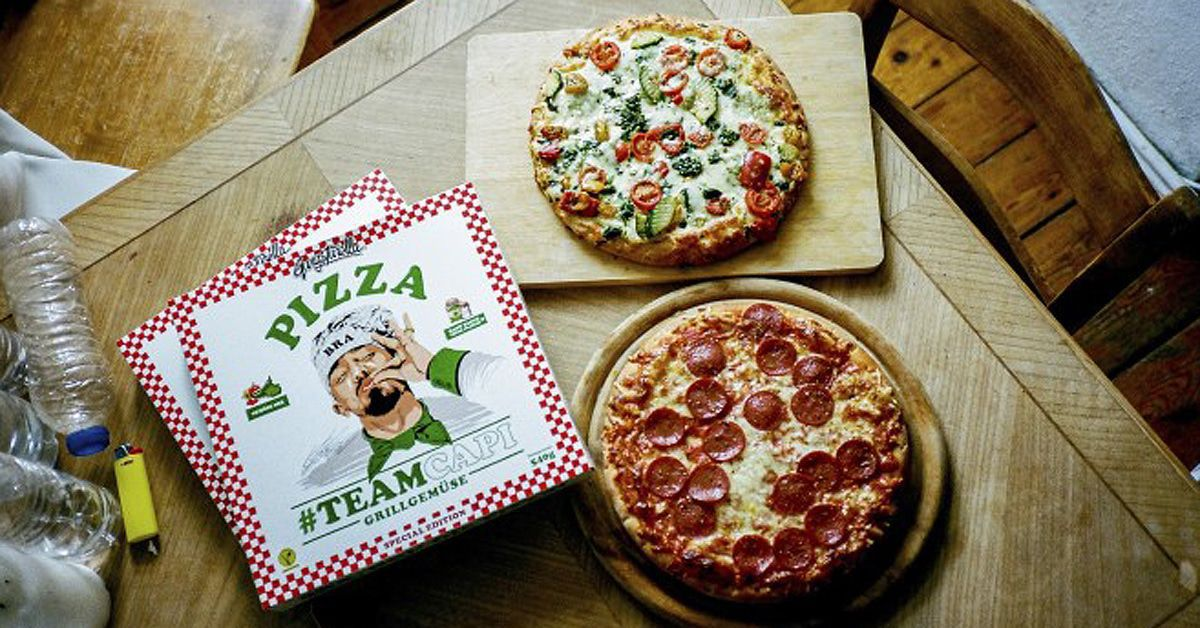 Capital Bra präsentiert seine Tiefkühlpizza #Teamcappi