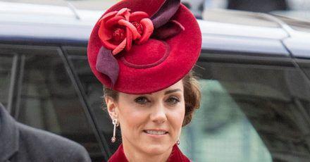 Kate Middleton gratuliert hier ganz persönlich einer Mama zur Geburt