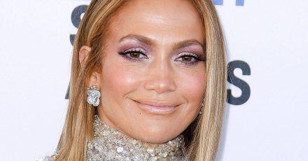 Jennifer Lopez erklärt den mysteriösen Masken-Mann hinter der Gardine