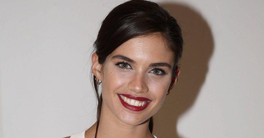 Sara Sampaio: Warum ein alter Chanel-Rucksack sie glücklich macht
