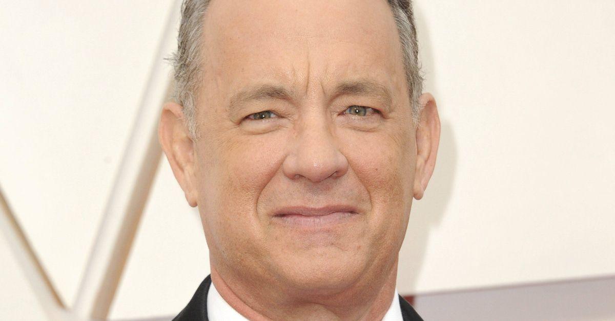 Tom Hanks unterschreibt hier neben Albert Einstein - klatsch-tratsch.de