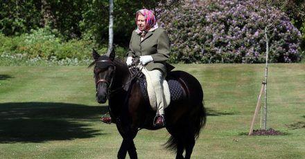 Elizabeth II. erstmals seit Monaten wieder zu sehen