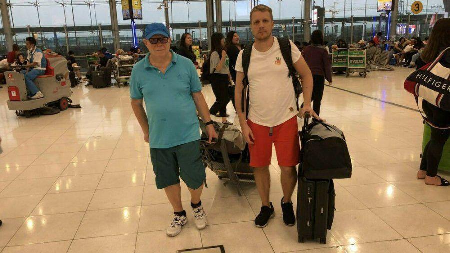 Gerhard und Oliver Pocher am Flughafen (jom/spot)