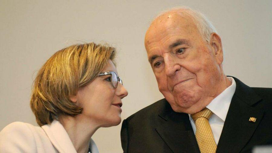 Helmut Kohl und Maike Kohl-Richter im Jahr 2014 (stk/spot)