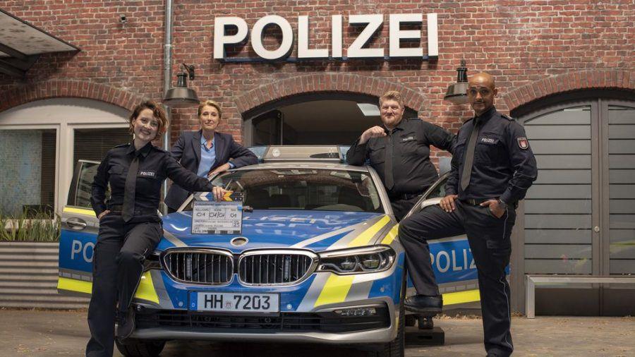 """Das Team vom """"Großstadtrevier"""" v.l.n.r.: Wanda Perdelwitz, Saskia Fischer, Marc Zwinz und Patrick Abozen (dms/spot)"""