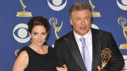 """Tina Fey und Alec Baldwin sind beim """"30 Rock""""-Special mit von der Partie. (ili/spot)"""
