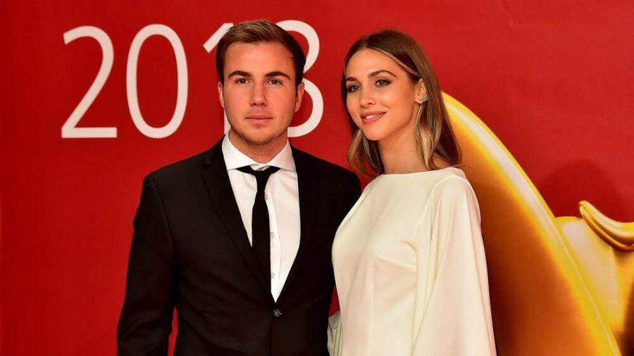 Ann-Kathrin und Mario Götze sind seit einem Jahr verheiratet und inzwischen Eltern eines Sohnes. (ili/spot)