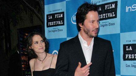 Seit Jahrzehnten beste Freunde: Keanu Reeves und Winona Ryder. (stk/spot)