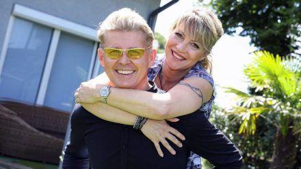 Sänger Markus und Yvonne König geben sich das Jawort. (cos/spot)