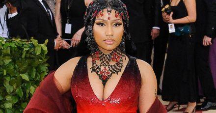 Nicki Minaj und ihre Brüste brechen Rekorde