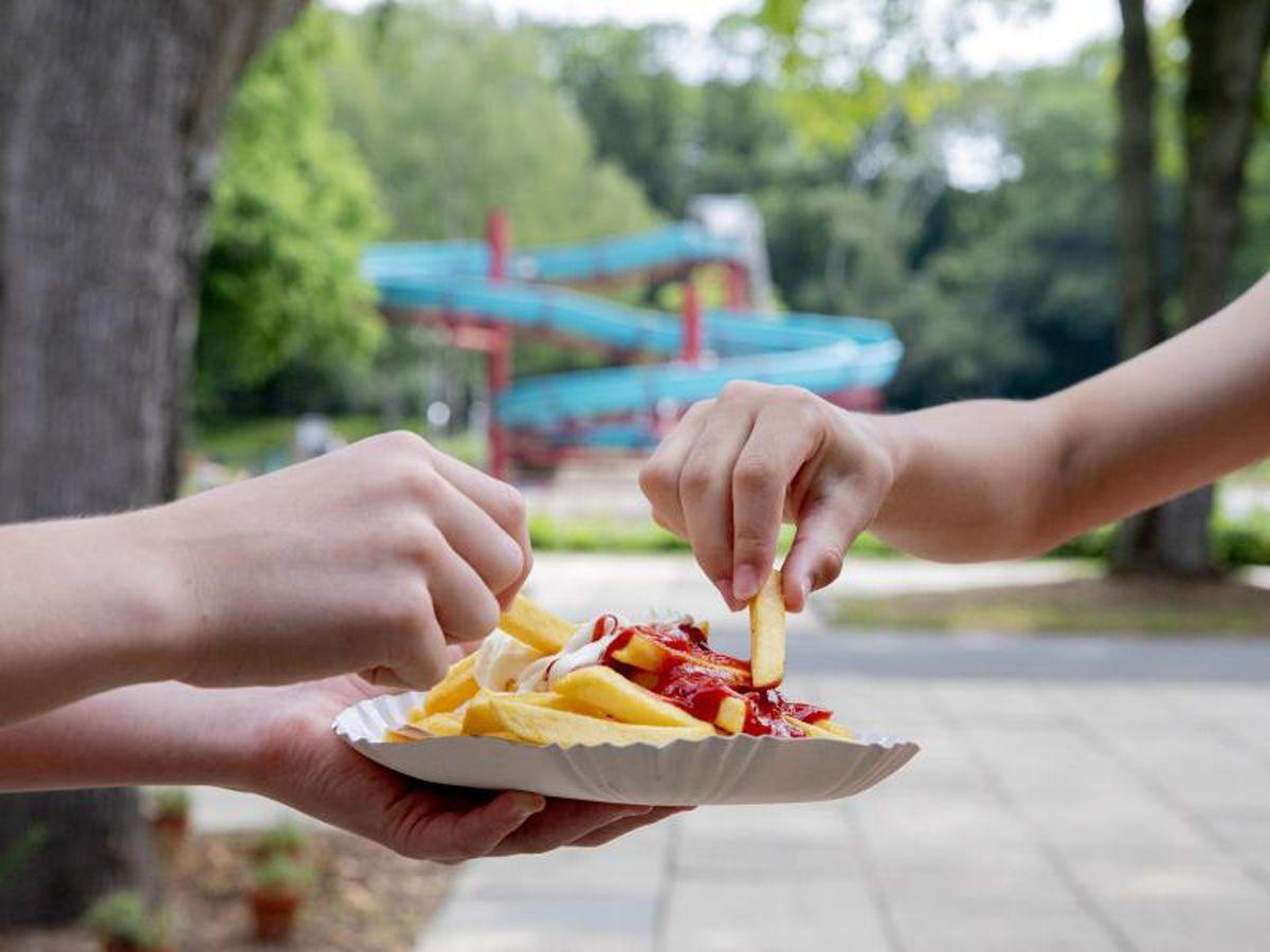 Phänomen: Warum gehören Pommes und Freibad zusammen?