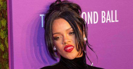 Rihanna: Hier erklärt sie, wie man ihren neuen Lippenstift richtig aufträgt