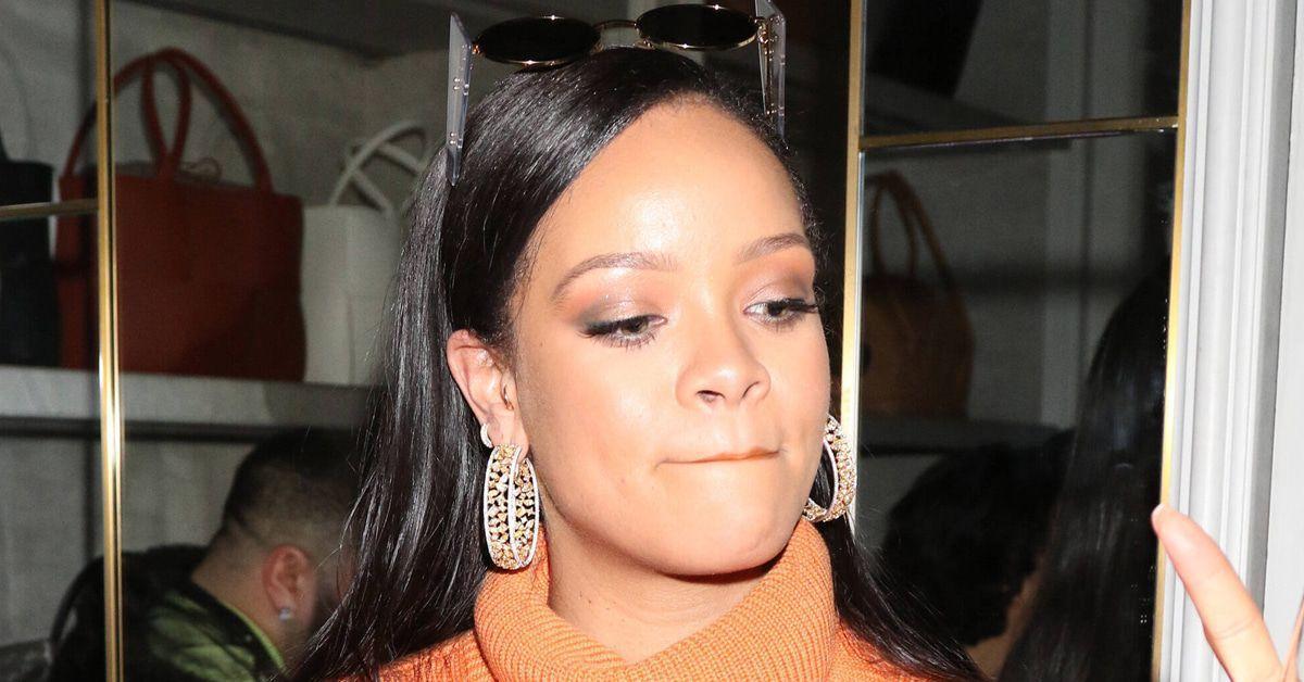 Rihanna verkauft heißes ikonisches Batik-Kleidchen - klatsch-tratsch.de