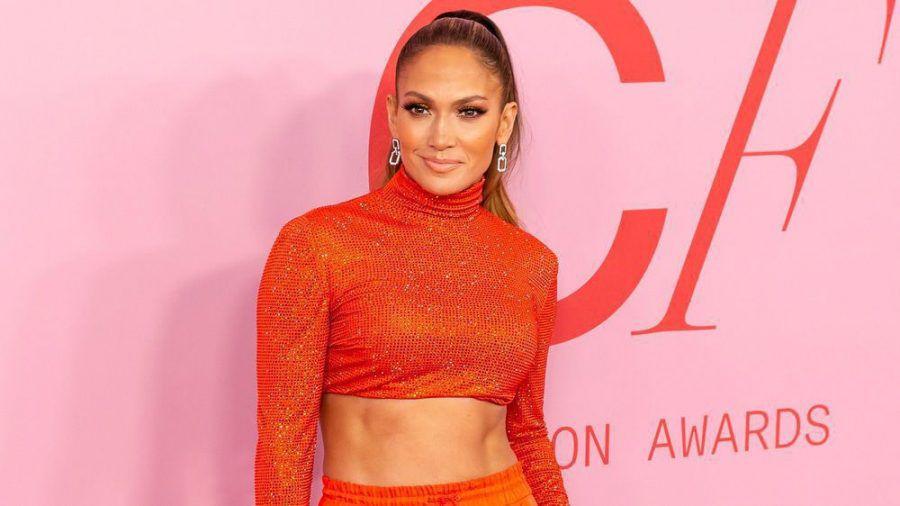 Jennifer Lopez arbeitet hart an ihrem Körper - mit sichtbarem Erfolg (cos/spot)