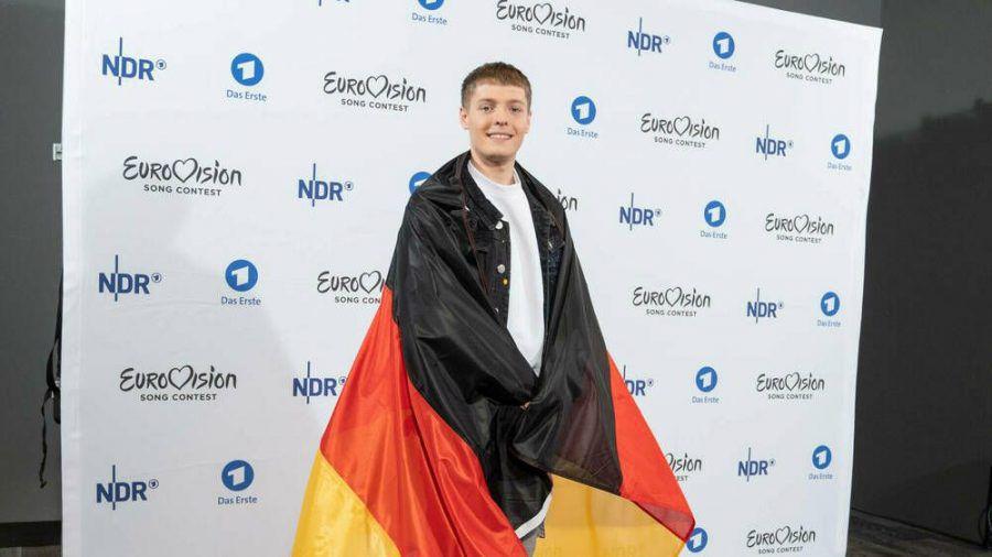 Er hätte Deutschland beim ESC 2020 im Mai in Rotterdam vertreten: Ben Dolic bei der Präsentation im Februar in Hamburg. (ili/spot)
