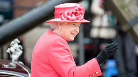 Liebt ihren Wacholderschnaps: Queen Elizabeth II. (dms/spot)