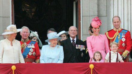 Auch die britischen Royals genehmigen sich hin und wieder ein hochprozentiges Gläschen. (cam/spot)