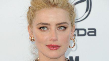 Amber Heard sieht sich einem schweren Vorwurf ihrer Ex-Assistentin gegenüber. (cos/spot)