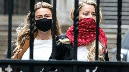 Amber Heards Schwester Whitney (li.) hat vor Gericht ausgesagt. (jom/spot)
