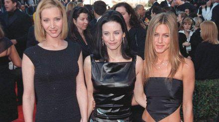 """Lisa Kudrow, Courteney Cox und Jennifer Aniston schrieben mit der Kultserie """"Friends"""" Fernsehgeschichte. (jom/spot)"""